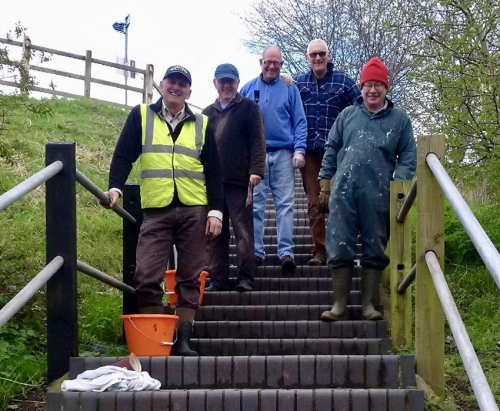 Volunteers painting steps upto Canal Aqueduct
